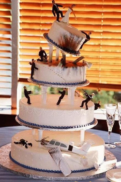 disaster wedding cake
